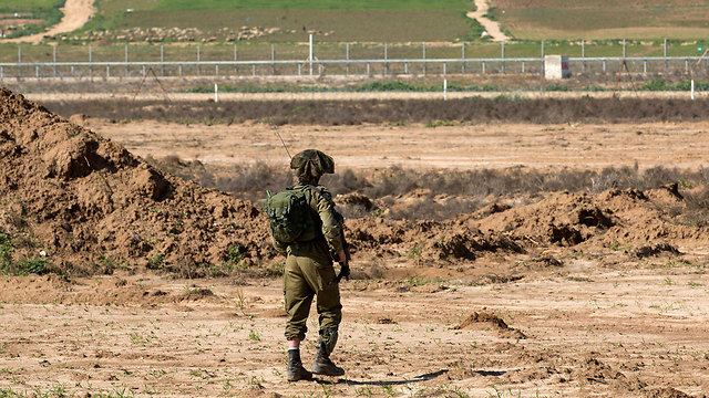 IDF soldier on the Gaza border (Photo: EPA)