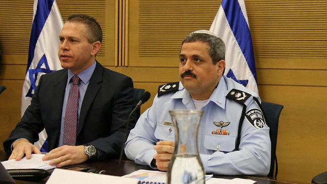 Internal Security Minister Gilad Erdan and Police Commissioner Roni Alsheikh (Photo: Ofer Meir) (Photo: Ofer Meir)