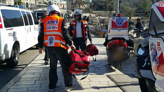 Terror attack in the Damascus Gate (Photo: Eli Mandelbaum)