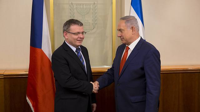 Prime Minister Benjamin Netanyahu and Czech Foreign Minister Lubomir Zaoralek (Photo: AFP)