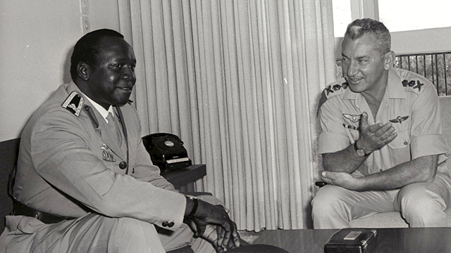 Idi Amin with IDF chief Haim Bar-Lev, when ties between Uganda and Israel were still strong (Photo: IDF Spokesman)