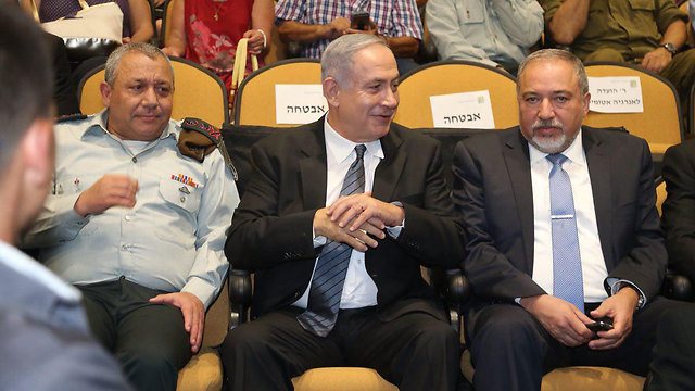 Israel's political-security leadership: IDF Chief of Staff Eisenkot, Prime Minister Netanyahu and Defense Minister Lieberman (Photo: Motti Kimchi)
