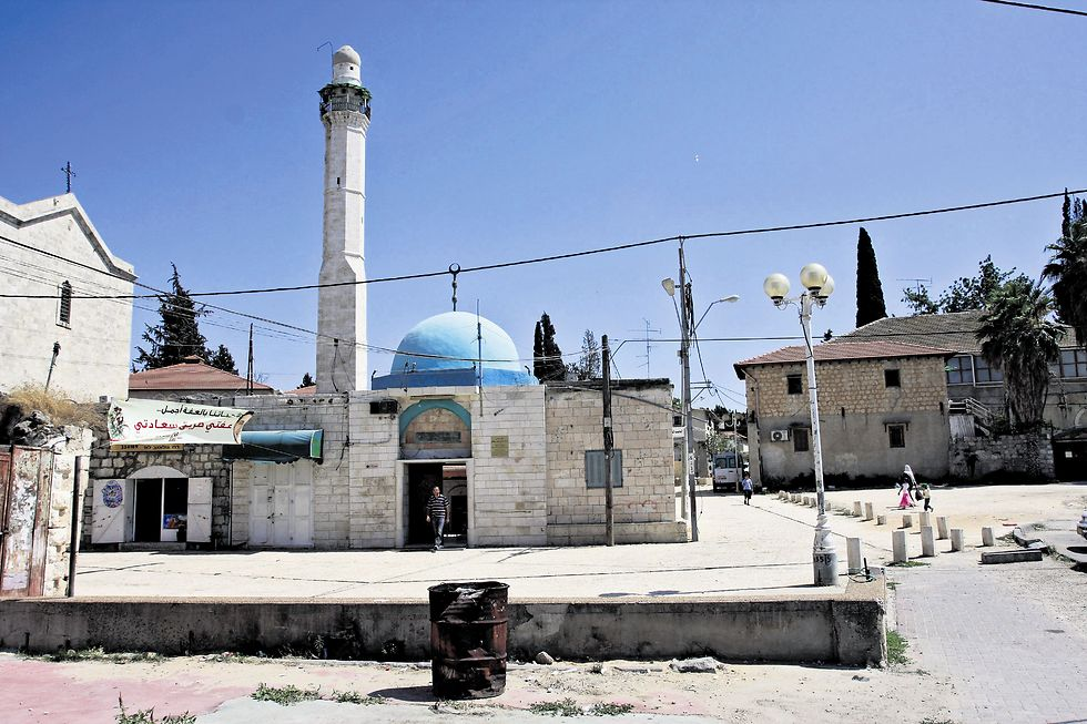 Mosque in Lod (Photo: Avi Moalem)