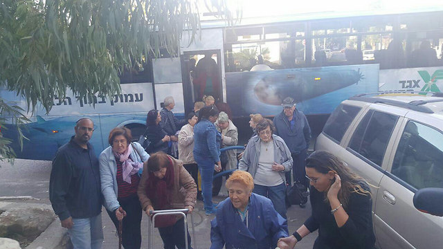 Evacuees taken in to Bat Galim in Haifa