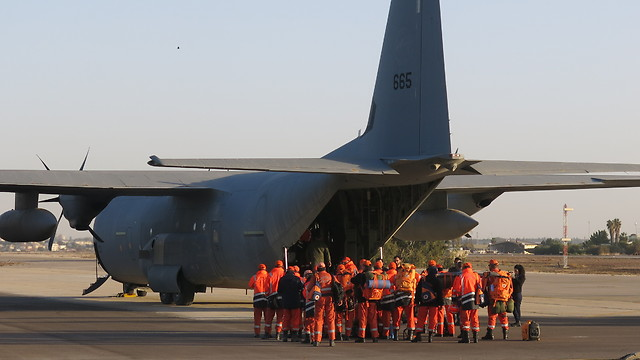 Cypriot firefighters and their military transport (Photo: IDF Spokesperson's Unit) (Photo: IDF Spokesperson)