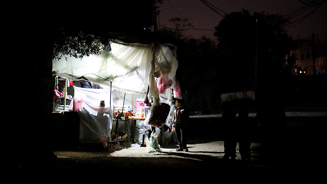 Gaza without power (Photo: Reuters)