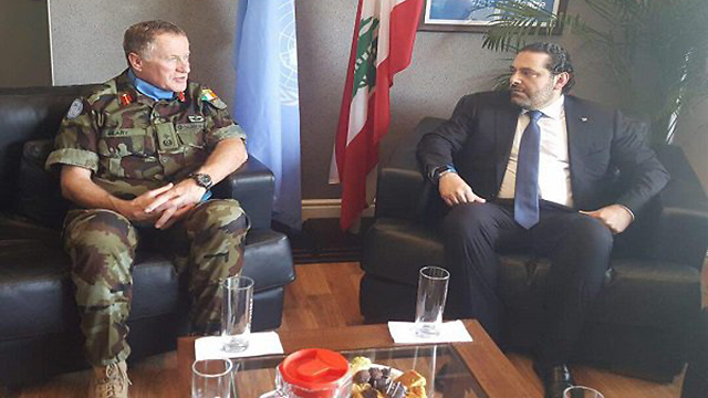 Hariri (R) touring the south of Lebanon with UNIFIL