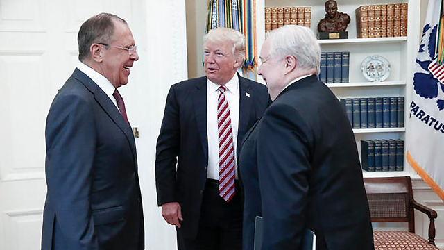 L to R: Russian Foreign Minister Sergei Lavrov, US President Donald Trump and Russian Minister to the US Sergey Kislyak(Photo: EPA) (Photo: EPA)
