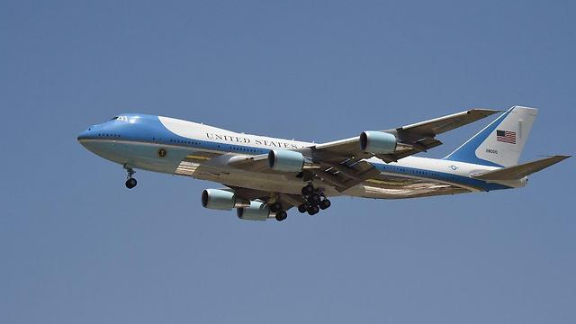 Air Force One flying over Israel (Photo: Yair Sagi)