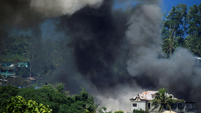 The battle to free Marawi City from ISIS jihadists (Photo: Reuters)