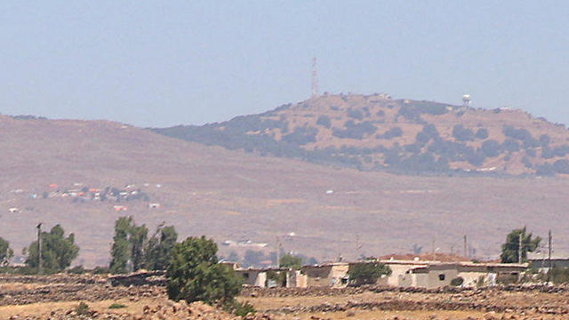An IDF border base as seen from Syria. If Israel hadn't promised the US to supervise the agreement's implementation by those seen as allies in the Syrian Golan Heights, a ceasefire deal would have been unimaginable (Photo: Reuters)