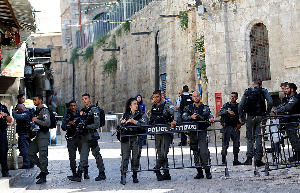 Security forces in Jerusalem's Old City following Friday's attack at the Lion's Gate (Photo: Reuters) (Photo: Reuters)