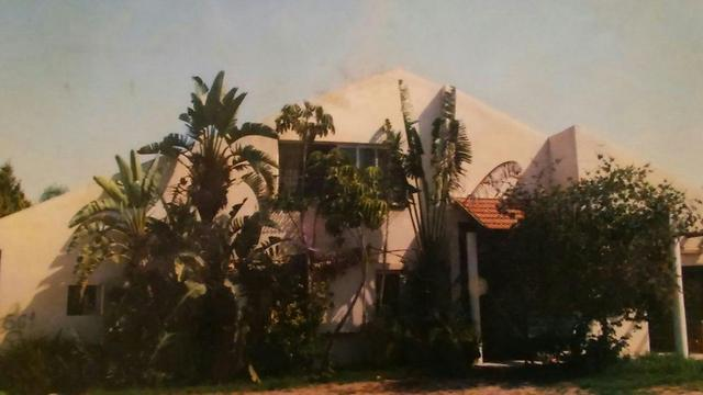 The Shalmon family's old house in Gush Katif, before the disengagement (photo courtesy of the family)