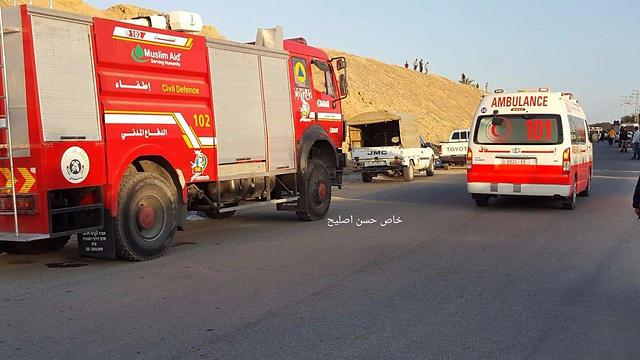 Palestinian rescue forces evacuate terrorists injured in tunnel explosion