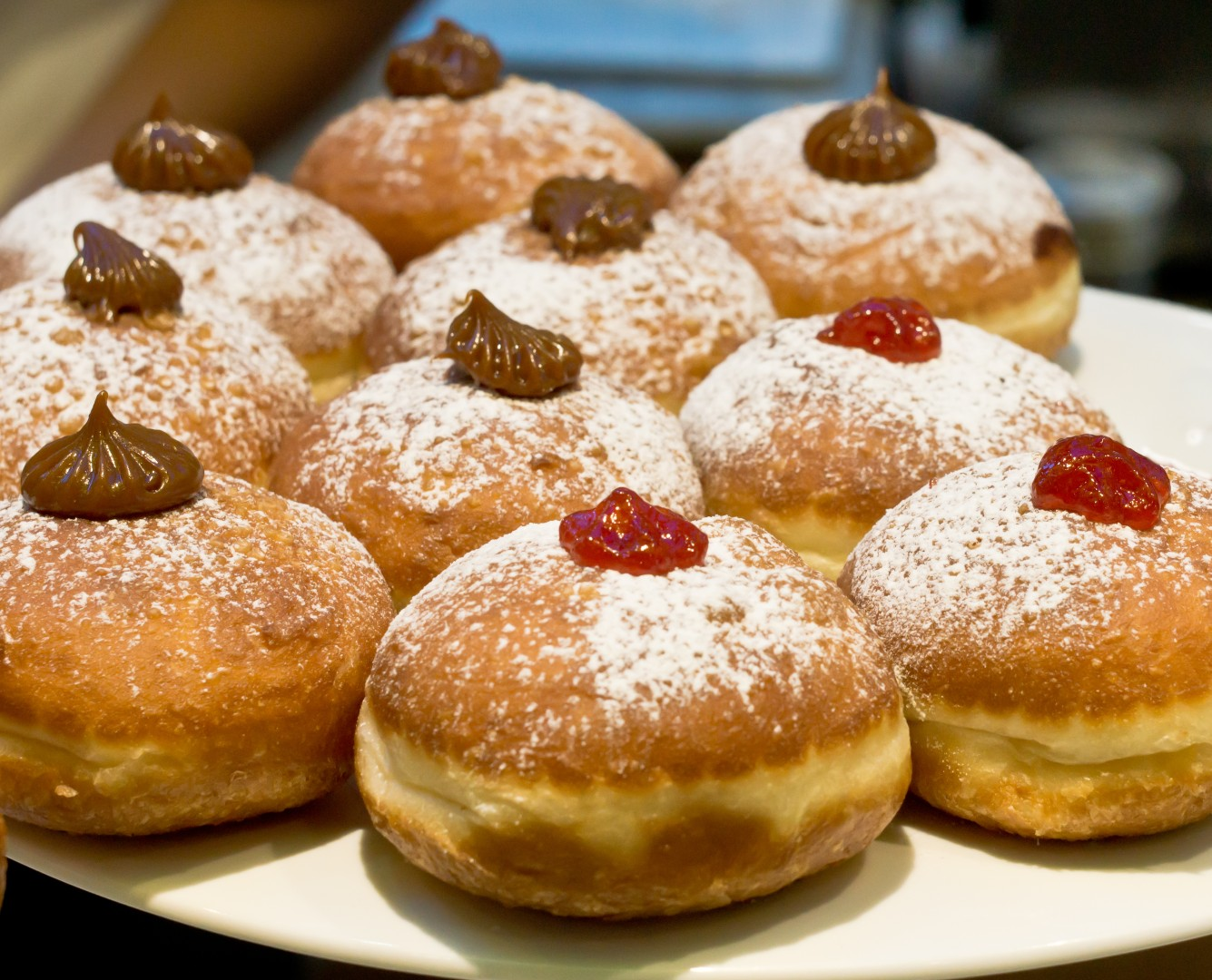 Sufganiyot (Photo: Assaf Levi)