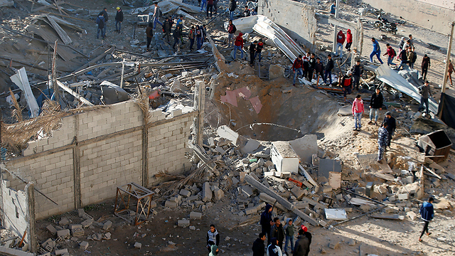 Aftermath of the IDF's retaliation to the attack on Sderot (Photo: Reuters)