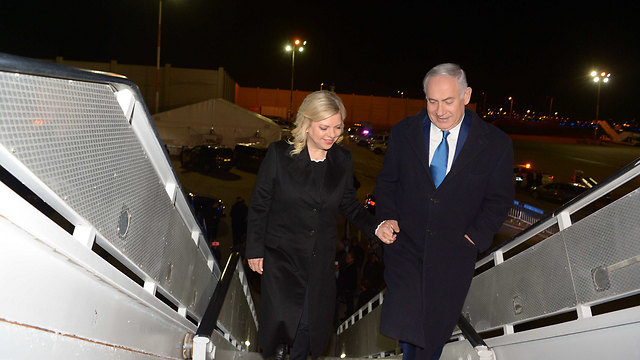 Prime Minister Netanyahu and his wife Sara leave for France, Saturday night (Photo: Avi Ohayon/GPO)