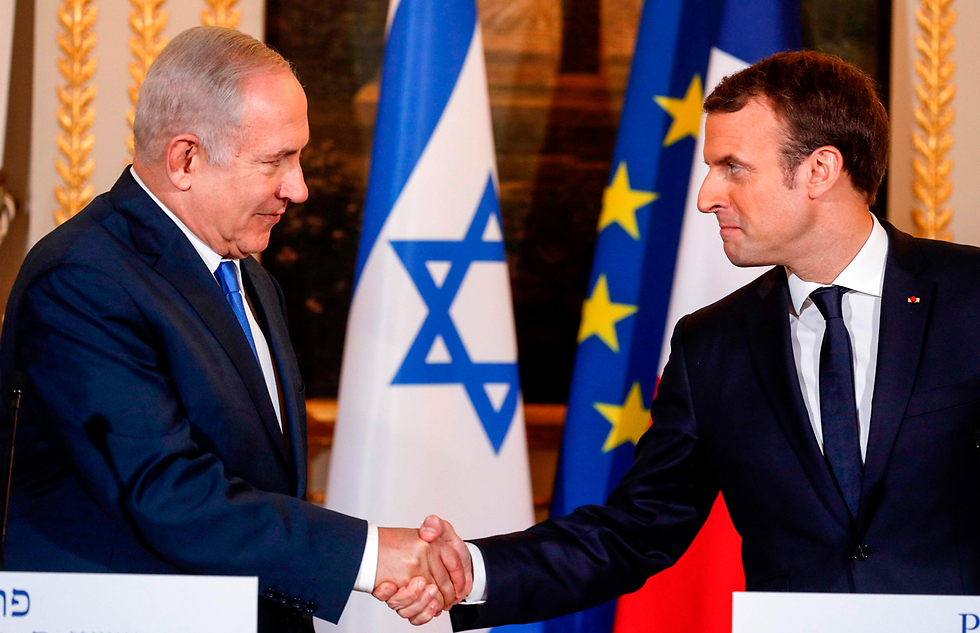 Netanyahu meets with Macron in Paris (Photo: AFP)