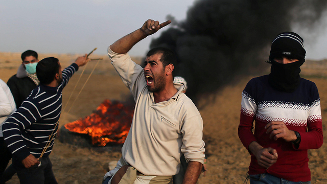 Rioting on Gaza border (Photo: Reuters)