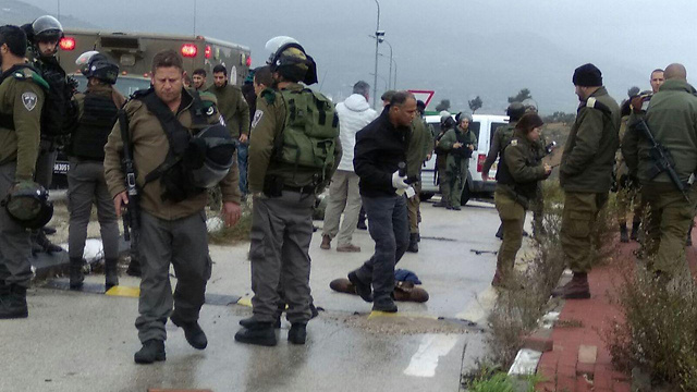 The scene of the Tapuach attempted stabbing attack (Photo: Keren Perlman/TPS)