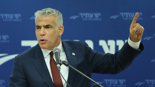 Yair Lapid (Photo: Alex Kolomoisky)