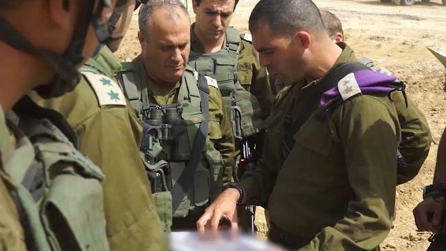 IDF officers by the Gaza border (Photo: IDF Spokesman's Office)