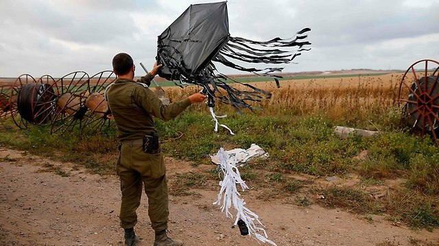 Incendiary kite seized by the IDF (Photo: AFP)