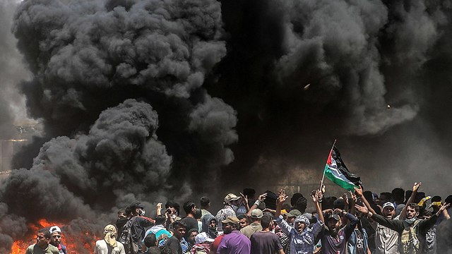The Gaza border protests. Stropnický said Hamas often sends children to their forefront hoping they would be killed (Photo: EPA)