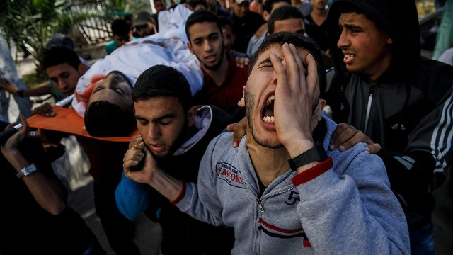 Funeral for one of the Gaza Strip's 59 mortalities (Photo: MCT)
