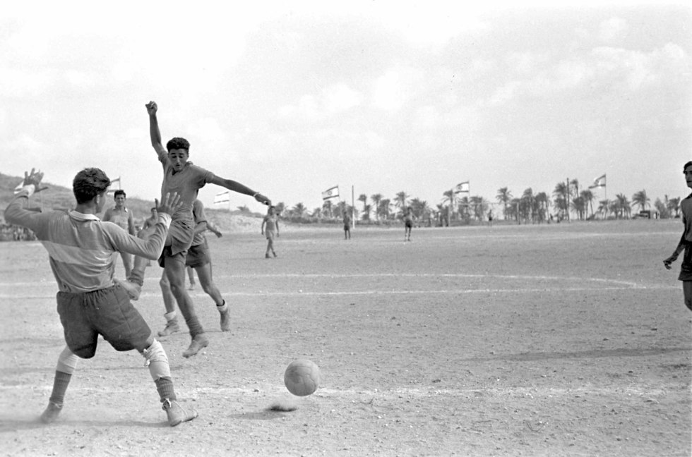 Illustrative: Golani troops playing soccer on a 1955 sports day (Photo: Defense Ministry)