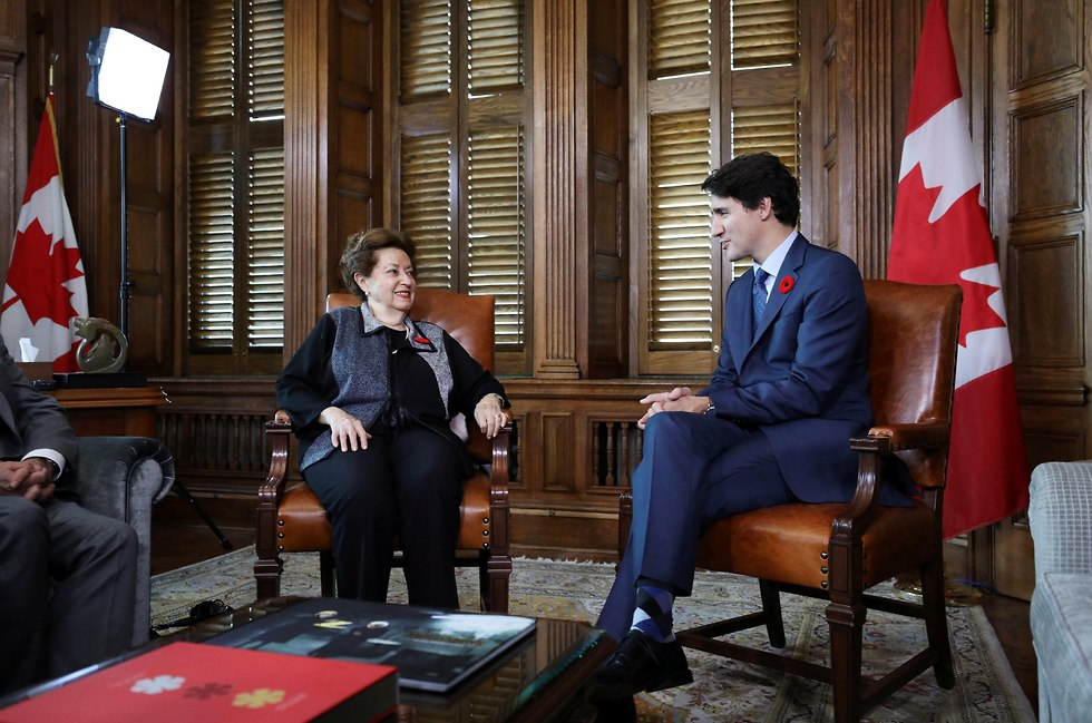 Canadian Prime Minister Trudeau meets with Ana Maria Gordon, the only surviving Canadian passenger aboard the St. Louis (Photo: Reuters)
