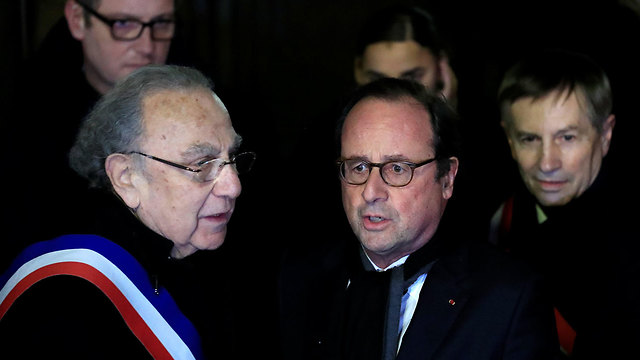 Former president Francois Hollande at the protest against anti-Semitism in Paris (Photo: Reuters)
