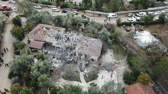 Aerial view of destroyed house (Photo: Yair Sagi)