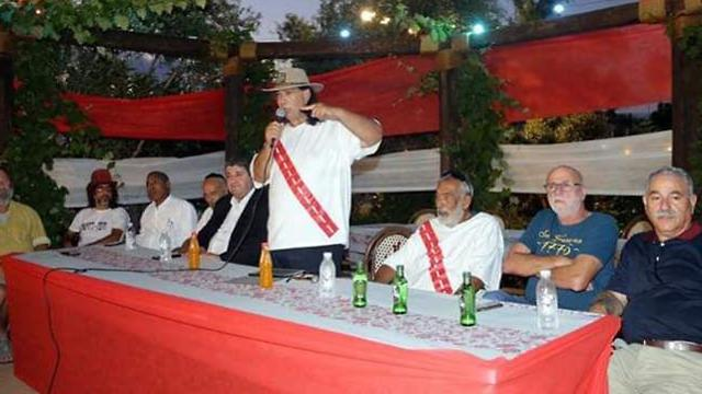 Red and White – the Incorruptible Party