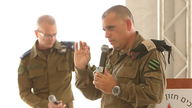 Brig. Gen. Guy Hasson, right, and Brig. Gen. Yaniv Rotem introduce the new prototypes (Photo: Elad Gershgoren)