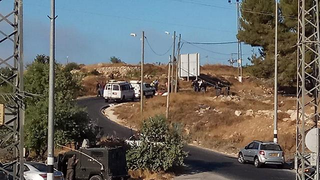 Security forces at the site where the soldier's body was found (Photo: TPS)