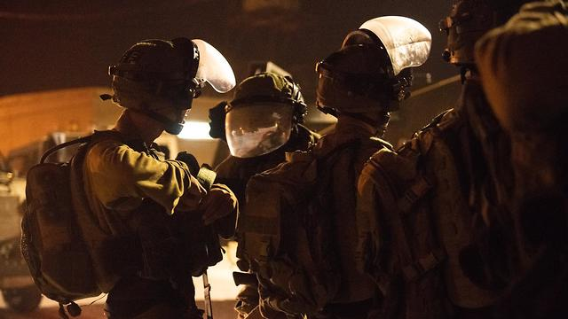 IDF troops during the arrests of the two suspects (Photo: IDF Spokesperson's Unit)
