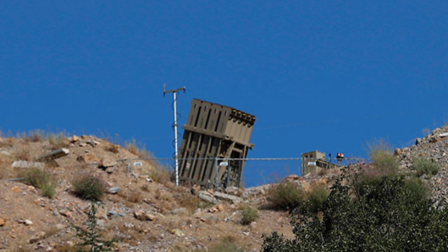 Iron Dome battery near the Syrian border in the Golan Heights (Photos: EPA)