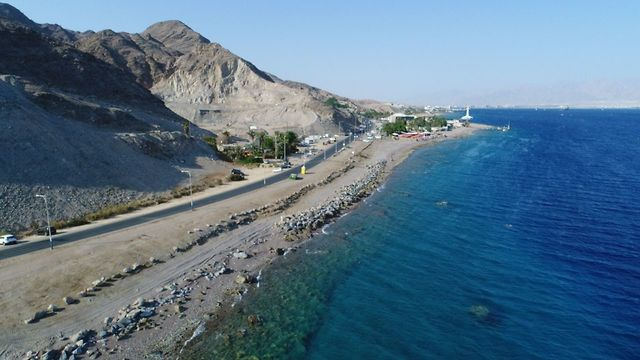 Eilat coastline after the cleanup (Israel Nature and Parks Authority)
