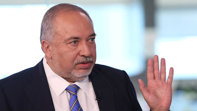 Avigdor Liberman in the Ynet studio, Oct. 22, 2019 (Photo: Avi Mualem)