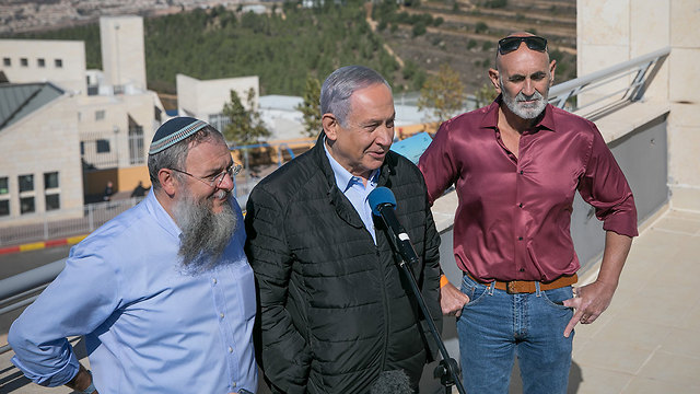 Prime Minister Benjamin Netanyahu visits settlements a day after U.S. decision on their legality (Photo: Noam Moskovitch)