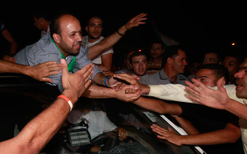 Gazan's greet prisoners released by Israel in deal to free abducted soldier Gilad Shalit in 2013