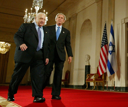 Prime Minister Ariel Sharon and U.S. President George W. Bush meeting at the White House, April 2004