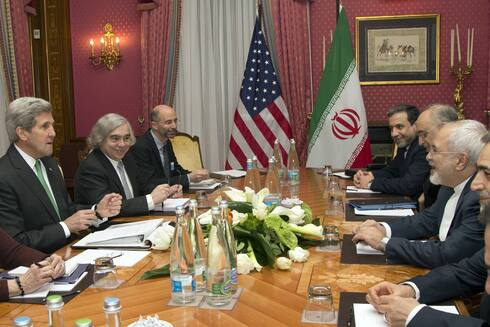 American and Iranian negotiators meeting on the nuclear agreement in 2015