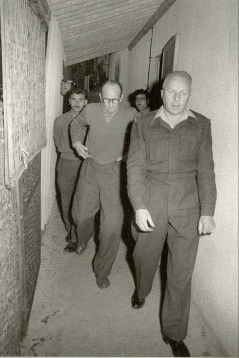 Eichman being brought before court