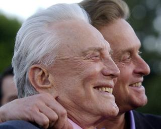 Kirk Douglas with son Michael in 2003