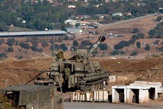 IDF troops along the Syrian border on the Golan Heights