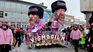 Aalst carnival shows Jews atop piles of money
