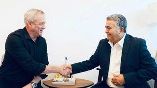 Blue & White chairman Benny Gantz and Labor chairman Amir Peretz