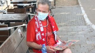 A man in Tel Aviv wearing a surgical mask